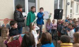 Schulzeitung Ostern 2014, 1